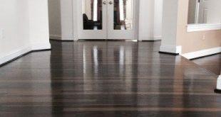 The Way to Thoroughly Clean Dark Hardwood Floor