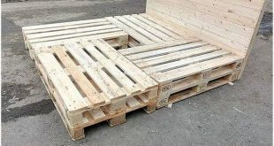 Grab this wood pallet reusing idea where the amazing formation work of the bed f...