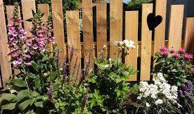 Trixistrauminsel: Neues Holz für den Gartenbau